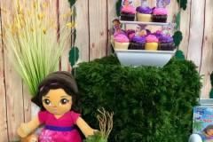 Dora  the Explorer- It's A Zoo Twist